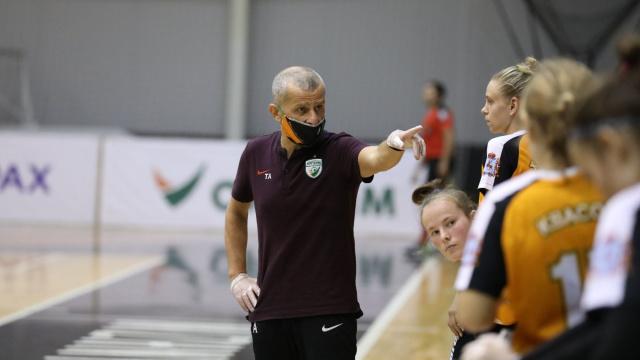 МФК «Норманочка» продлил контракт с главным тренером Темуром Алекберовым